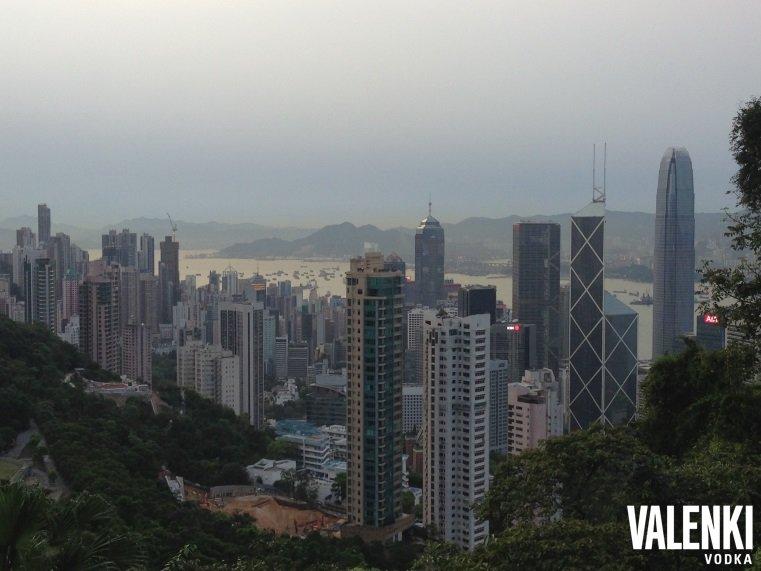 Панорама Гонконга. VALENKI водка путешествует по миру.